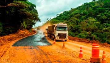 Jader solicita informações sobre término de pavimentação da BR 163