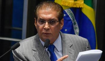 Jader apresenta emenda que pede supressão de possibilidade de redução de salário de servidor público