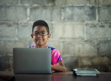 Senado pode aprovar uso do Fust em ampliação da banda larga em escolas